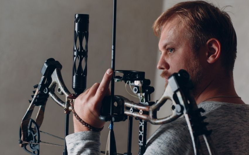 How To String A Compound Bow