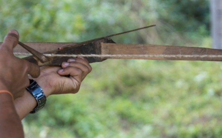 How to Make a Crossbow Out of Woods